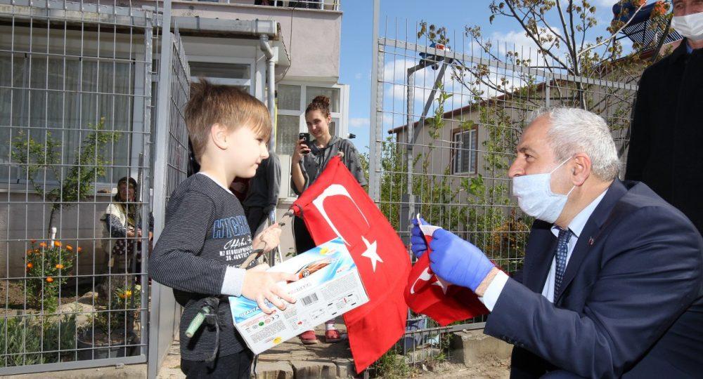 Büyükgöz'den Çocuklara Hediyeler