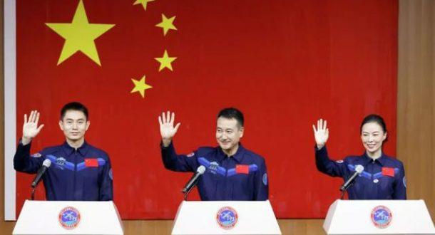 Dünya'ya 6 ay hasret kalacaklar! Çin, en uzun süreli insanlı uzay görevine çıkacak ekibini tanıttı - 15 Ekim 2021 17:52